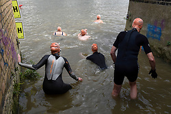 © Licensed to London News Pictures. 31/08/2018. LONDON, UK.  People at the start of the Thames River Swim as part of Totally Thames 2018.  Swimmers set off on a circular route from Hammersmith and around Chiswick Eyot, approximately 1500m.  Photo credit: Stephen Chung/LNP