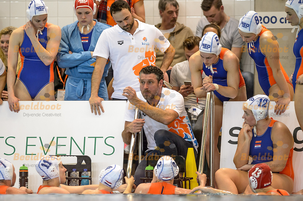 21-02-2017: Waterpolo: Nederland v Griekenland: Nijverdal<br /> <br /> (L-R) Headcoach HAVENGA Arno of team Netherlands during FINA Womens's Waterpolo World League Match between The Netherlands and Greece in pool het Ravijn at Nijverdal<br /> <br /> FINA Women's Waterpolo World League - Season 2016 / 2017 <br /> <br /> Foto / Photo: Gertjan Kooij
