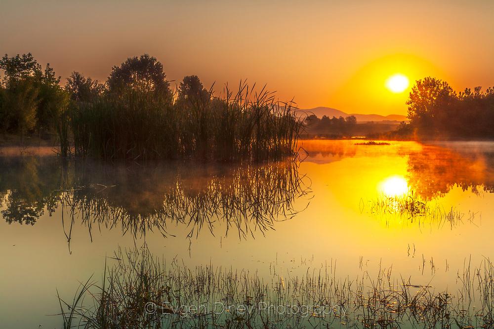 Sunrise by Ivailovgrad lake