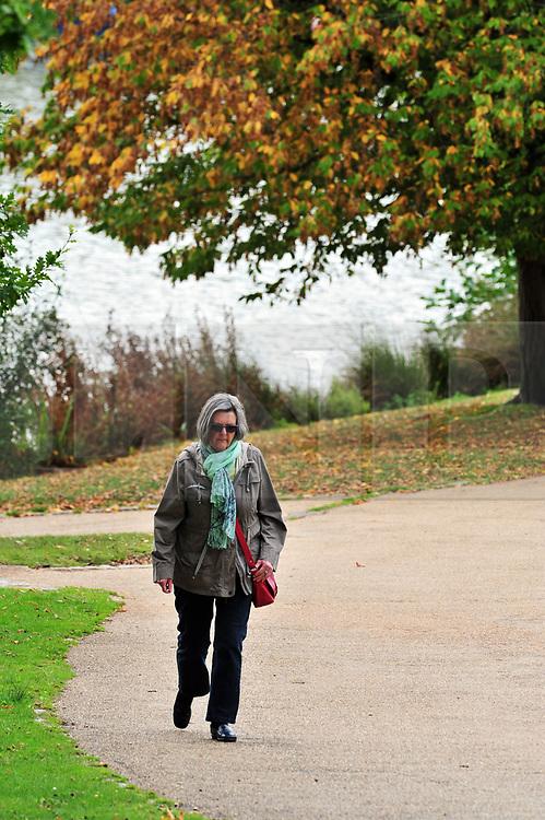 &copy; Licensed to London News Pictures.04/10/2017.<br /> TUNBRIDGE WELLS, UK.<br /> Autumn weather at Dunorlan Park in Tunbridge Wells, Kent. <br /> Photo credit: Grant Falvey/LNP
