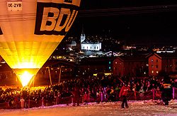 05.02.2018, Lechnerberg, Kaprun, AUT, Nacht der Ballone, im Bild Heissluftballons und die Kirche // Hot air balloons and the church during the International Balloonalps Week, Lechnerberg, Kaprun, Austria on 2018/02/05. EXPA Pictures © 2018, PhotoCredit: EXPA/ JFK