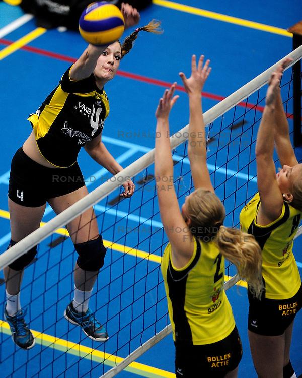 27-10-2012 VOLLEYBAL: SV DYNAMO - PRISMAWORX STRAVOC: APELDOORN<br /> Eerste divisie B vrouwen / Sanne Metsemakers<br /> &copy;2012-FotoHoogendoorn.nl