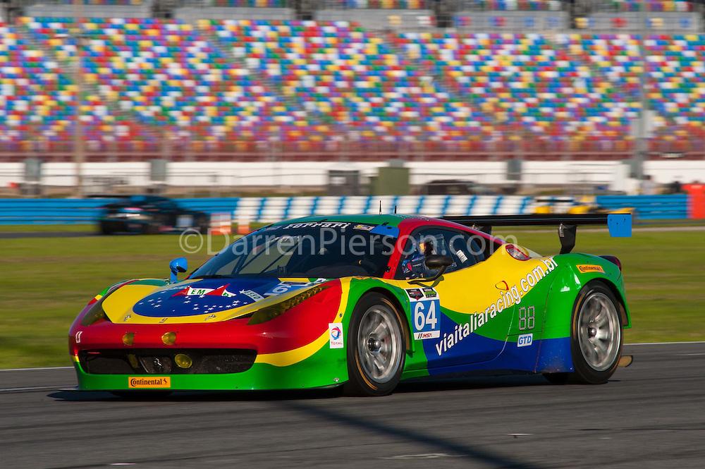 #64 Scuderia Corsa Ferrari 458 Italia: Francisco Longo, Daniel Serra