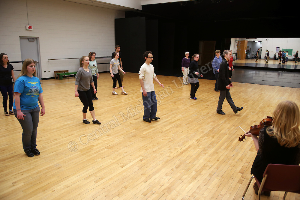 Nic Gareiss a percussive dancer taught in Rose 127, the Dance Studio. He's a CMU Alumni that came back for a workshop.