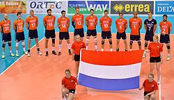 31-05-2015 NED: CEV EK Kwalificatie Nederland - Spanje, Doetinchem<br /> Nederland wint met 3-1 van Spanje en plaatst zich voor het EK in Bulgarije en Italie / Line up Nederland