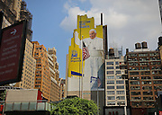 Papa Francesco in un murale gigante a Madison Square Garden NEW YORK