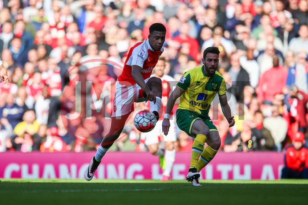 Alex Iwobi of Arsenal shot at goal - Mandatory byline: Jason Brown/JMP - 07966386802 - 30/04/2016 - FOOTBALL - Emirates Stadium - London, England - Arsenal v Norwich City - Barclays Premier League
