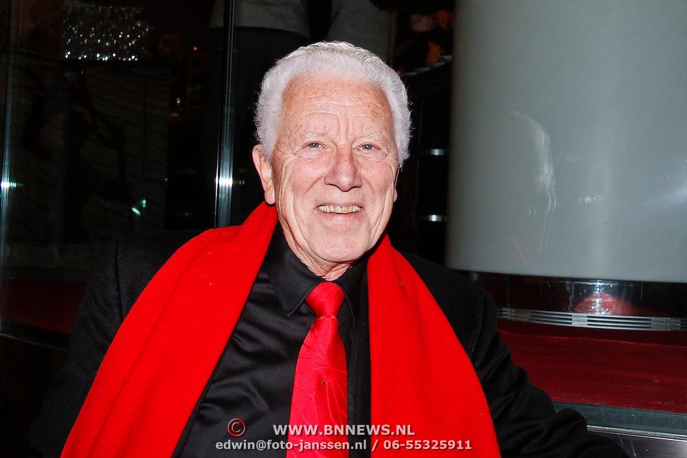 NLD/Amsterdam/20111121 - Premiere toneelvoorstelling Zangeres zonder Naam, Paul van Gorkum