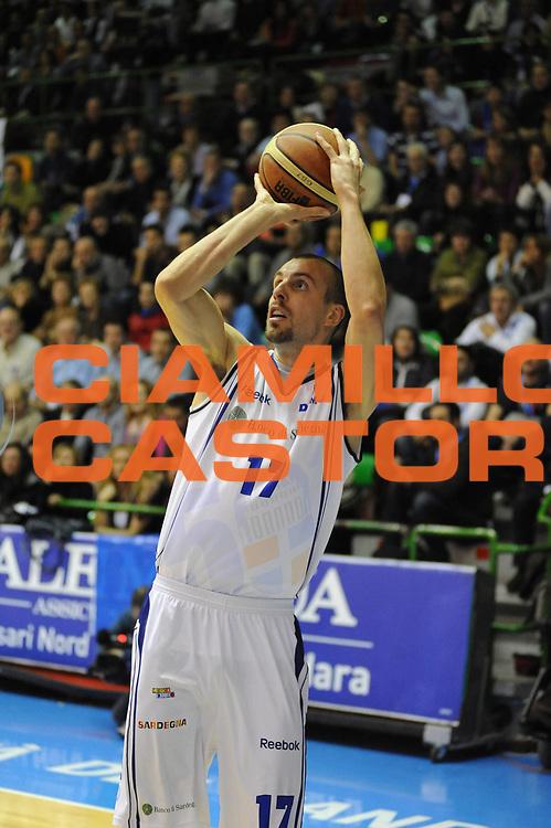 DESCRIZIONE : Sassari Lega A2 2009-10 Final Four Coppa Italia Semifinale Banco di Sardegna Sassari Enel Brindisi<br /> GIOCATORE : Francesco Conti<br /> SQUADRA : Banco di Sardegna Sassari<br /> EVENTO : Campionato Lega A2 2009-2010<br /> GARA : Banco di Sardegna Sassari Enel Brindisi<br /> DATA : 06/03/2010<br /> CATEGORIA : Tiro<br /> SPORT : Pallacanestro<br /> AUTORE : Agenzia Ciamillo-Castoria/GiulioCiamillo<br /> Galleria : Lega Basket A2 2009-2010  <br /> Fotonotizia : Sassari Lega A2 2009-2010 Final Four Coppa Italia Semifinale Banco di Sardegna Sassari Enel Brindisi<br /> Predefinita :