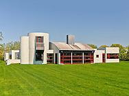 Modern Home, Daniels Lane, designed by Charles Gwathmey, Sagaponack, New York