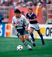 FIFA World Cup - USA 1994<br /> 26.6.1994, Soldier Field Stadium, Chicago, Illinois.<br /> Group D, Bulgaria v Greece.<br /> Krassimir Balakov - Bulgaria