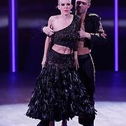 NLD/Hilversum/20120916 - 4de live uitzending AVRO Strictly Come Dancing 2012, Stacey Rookhuizen met danspartner Jeroen Struijlaart