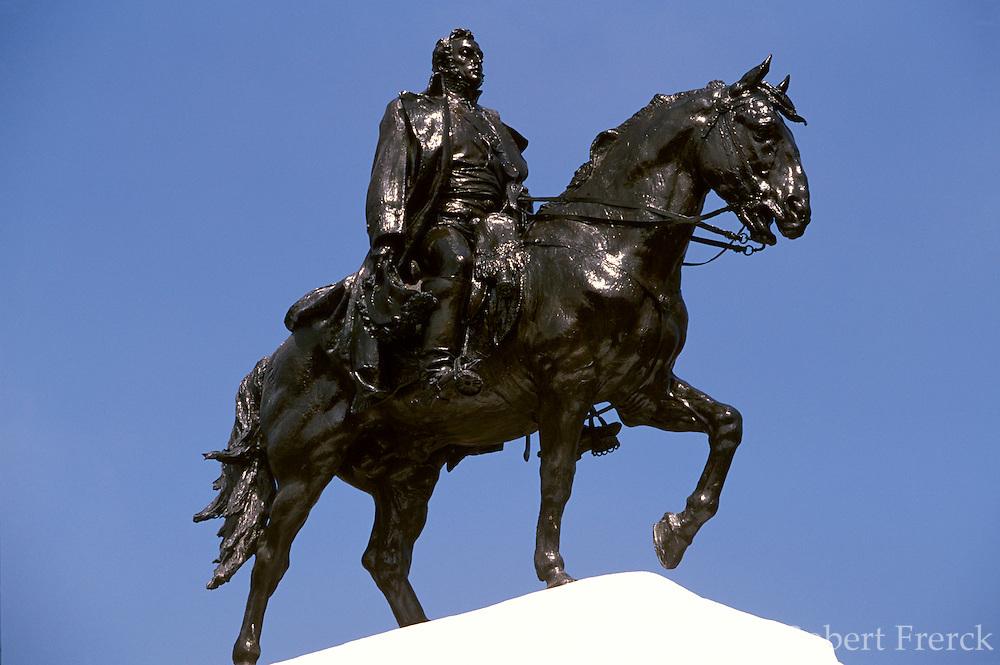 PERU, LIMA, CENTRAL CITY Plaza San Martin, San Martin statue
