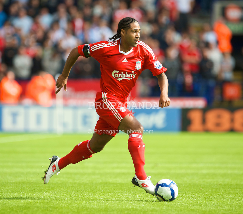 BOLTON, ENGLAND - Saturday, August 29, 2009: Liverpool's Glen Johnson in action against Bolton Wanderers during the Premiership match at the Reebok Stadium. (Photo by David Rawcliffe/Propaganda)