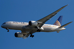 Boeing 787-8 (N27903) operated by United Airlines on approach to San Francisco International Airport (SFO), San Francisco, California, United States of America