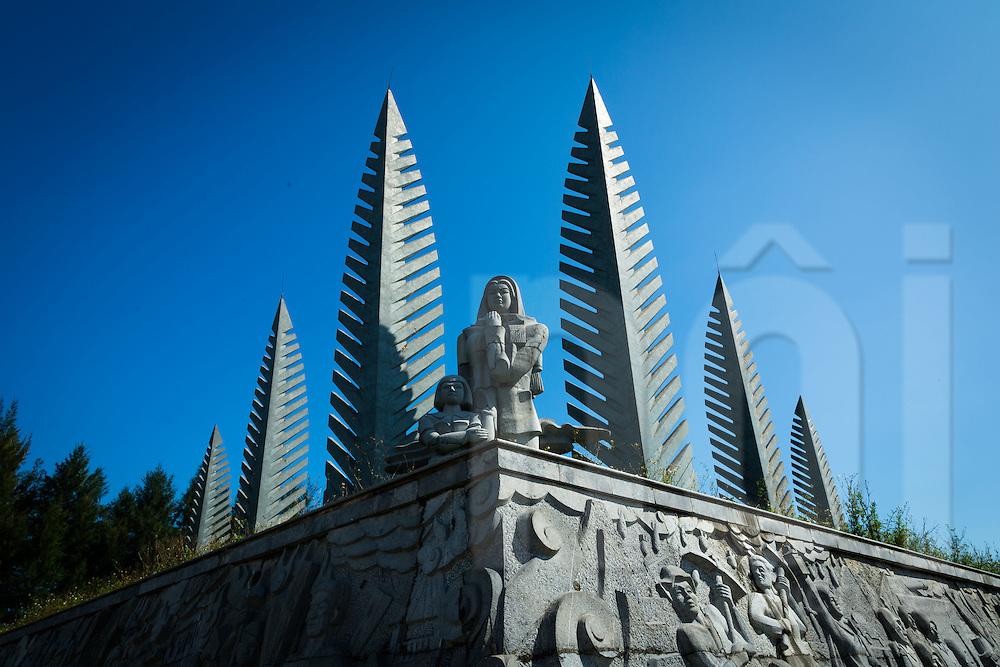 Monument alongside the Ben Hai River near Hien Luong Bridge, DMZ, Quang Tri Province, Vietnam, Southeast Asia