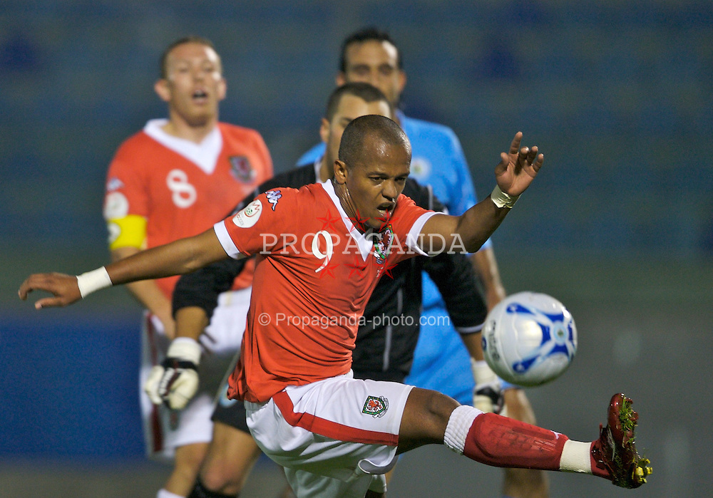San Marino, San Marino - Wednesday, October 17, 2007: Wales' Robert Earnshaw in action against San Marino during the Group D UEFA Euro 2008 Qualifying match at the Serravalle Stadium. (Photo by David Rawcliffe/Propaganda)