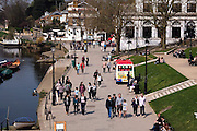 &copy;London News Pictures. 09/04/15. Richmond. UK. People enjoy the warm weather by the banks of the River Thames today 9th April 2015.<br /> <br /> Photo credit: Stephen Simpson/LNP