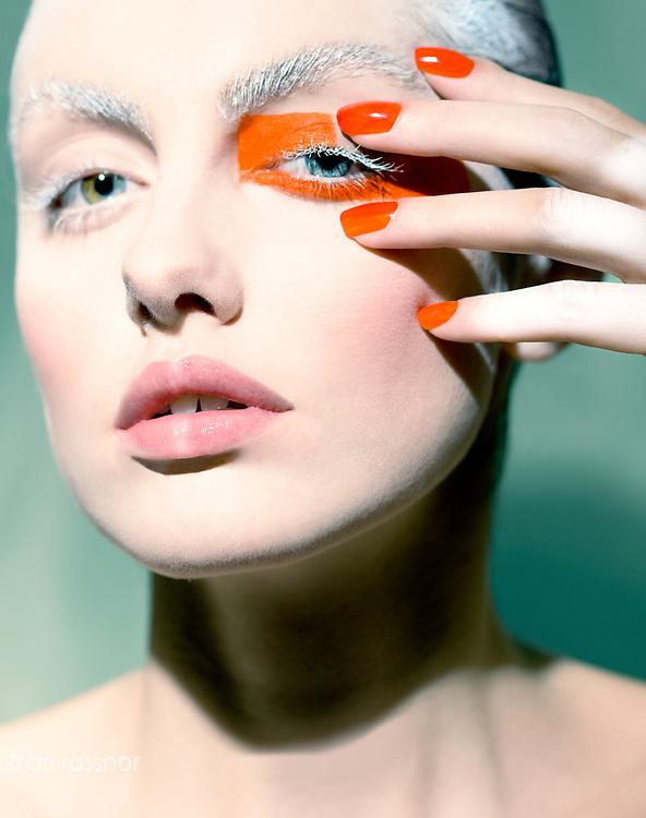 Model: Marina Voykova (BU) @ Crystal MU&H: Henri Nuko Assistant photographer: Rocio Garza