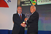 DESCRIZIONE : Monza Vila Reale Italia Basket Hall of Fame<br /> GIOCATORE : Cappellari per Bogoncelli Gamba<br /> SQUADRA : FIP Federazione Italiana Pallacanestro <br /> EVENTO : Italia Basket Hall of Fame<br /> GARA : <br /> DATA : 29/06/2010<br /> CATEGORIA : Premiazione<br /> SPORT : Pallacanestro <br /> AUTORE : Agenzia Ciamillo-Castoria/M.Gregolin