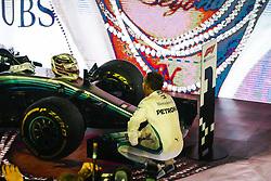 September 16, 2018 - Singapore, Singapore - Motorsports: FIA Formula One World Championship 2018, Grand Prix of Singapore, .#44 Lewis Hamilton (GBR, Mercedes AMG Petronas Motorsport) (Credit Image: © Hoch Zwei via ZUMA Wire)