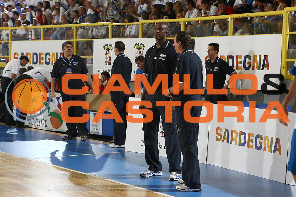 DESCRIZIONE : Cagliari Eurobasket Men 2009 Additional Qualifying Round Italia Francia<br /> GIOCATORE : staff<br /> SQUADRA : Italy Italia Nazionale Maschile<br /> EVENTO : Eurobasket Men 2009 Additional Qualifying Round <br /> GARA : Italia Francia Italy France<br /> DATA : 05/08/2009 <br /> CATEGORIA : staff<br /> SPORT : Pallacanestro <br /> AUTORE : Agenzia Ciamillo-Castoria/C.De Massis