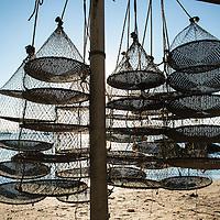 Lanterna para cultivo de ostras, Santo Antonio de Lisboa, Florianópolis, Santa Catarina, foto de Ze Paiva - Vista Imagens