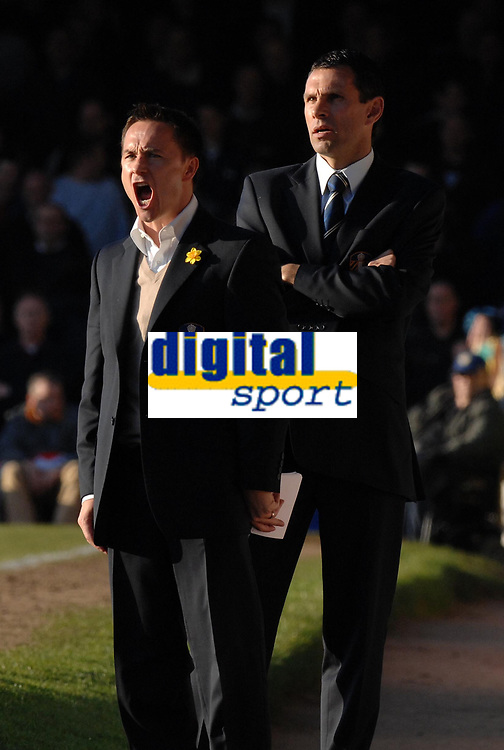 Photo: Ashley Pickering.<br />Southend United v Leeds United. Coca Cola Championship. 17/03/2007.<br />Leeds manager Dennis Wise (L) has a word as his assistant Gus Poyet looks on