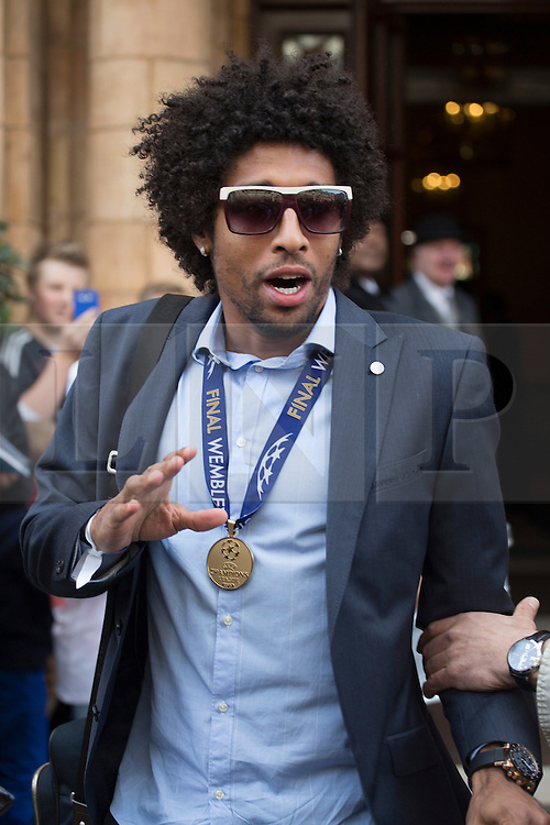 © licensed to London News Pictures. London, UK 26/05/2013. Dante Bonfim Costa Santos and FC Bayern Munich players leaving The Landmark Hotel in central London on Sunday, 26 May 2013 after their UEFA Champions League victory in Wembley Stadium against Borussia Dortmund. Photo credit: Tolga Akmen/LNP