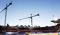 Fotball , 22. mars 2013 , VM-kvalifisering , Norge - Albania<br />  0-1<br /> World Qual , Norway - Albania<br /> <br /> illustrasjon , Ullevaal stadion bygges ut , kraner , tribune , byggeplass , kran