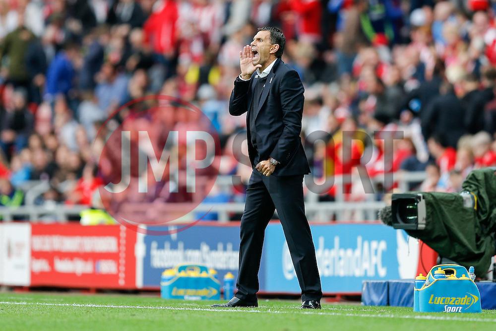 Manager Gustavo Poyet of Sunderland shouts - Photo mandatory by-line: Rogan Thomson/JMP - 07966 386802 - 27/08/2014 - SPORT - FOOTBALL - Sunderland, England - Stadium of Light - Sunderland v Swansea City - Barclays Premier League.