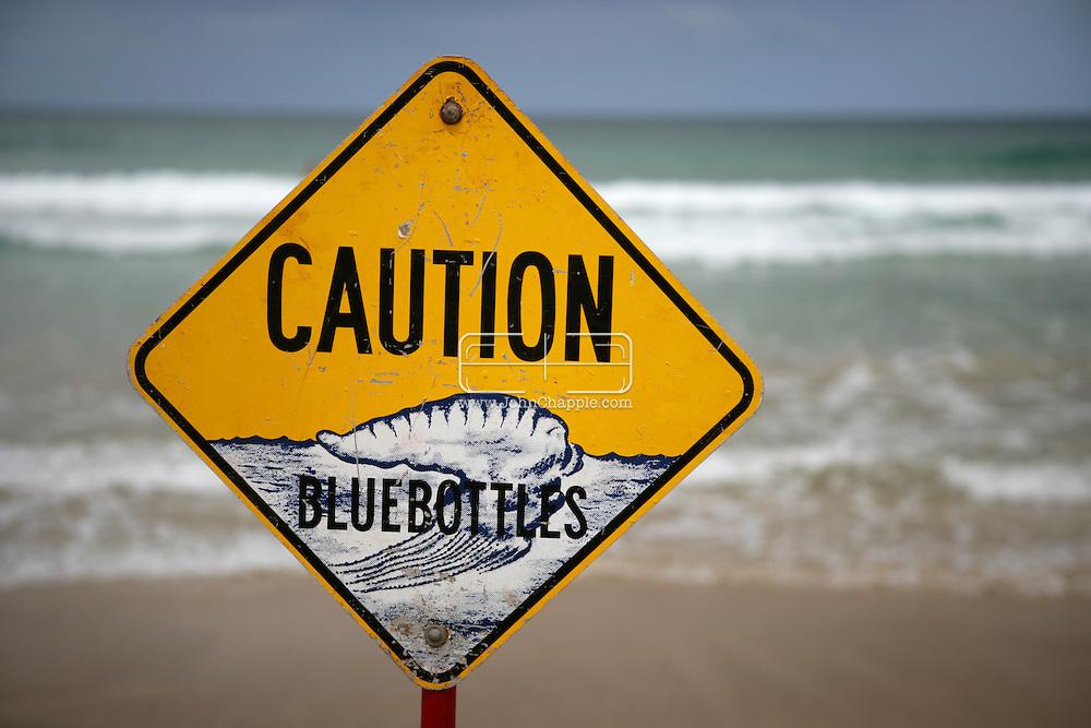 5th February 2007. Sydney, NSW. A lifeguard warning sign alerts the public to the presence of Bluebottle Jellyfish, at Manly beach, Sydney. PHOTO © JOHN CHAPPLE / REBEL IMAGES. .tel 310 570 9100.john@chapple.biz.www.chapple.biz.