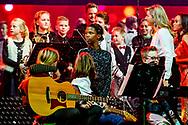 19-12-2018 DEN BOSCH - DEN BOSCH - Queen Maxima with the Greatest Schoolband of the Netherlands during the Christmas Music Gala 2018. COPYRIGHT ROBIN UTRECHT<br /> <br /> <br /> DEN BOSCH - Koningin Maxima met de Grootste Schoolband van Nederland tijdens het Kerst Muziekgala 2018. zwart wit