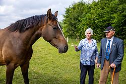 Otto GÄRTNER mit Don Otto und Marianne KRACHT<br /> Züchter von Donnerhall<br /> Travenhorst - Portrait über Otto Gärtner 2020<br /> 01. Juli 2020<br /> © www.sportfotos-lafrentz.de/Stefan Lafrentz