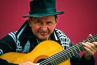 Tango musician, Caminito (La Boca), Buenos Aires, Argentina