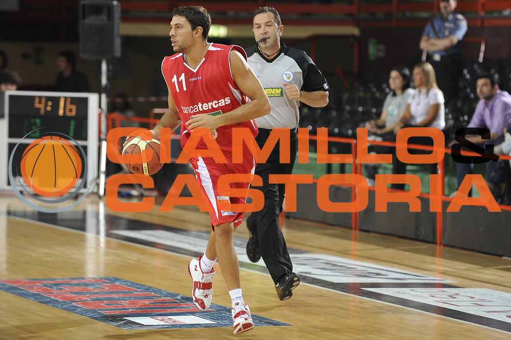 DESCRIZIONE : Caserta Lega A 2009-10 II Trofeo IRTET Finale Pepsi Caserta Bancatercas Teramo<br /> GIOCATORE : Tommaso Marino<br /> SQUADRA : Pepsi Caserta<br /> EVENTO : Campionato Lega A 2009-2010 <br /> GARA : Pepsi Caserta Bancatercas Teramo<br /> DATA : 27/09/2009<br /> CATEGORIA : Palleggio<br /> SPORT : Pallacanestro <br /> AUTORE : Agenzia Ciamillo-Castoria/G.Ciamillo