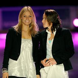 14-12-2009 ALGEMEEN: TOPSPORT GALA AMSTERDAM: AMSTERDAM<br /> Sophie Polkamp en Marieke Mattheussens<br /> ©2009-WWW.FOTOHOOGENDOORN.NL