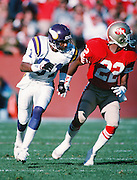 Minnesota Vikings wide receiver Anthony Carter (81) is defended by San Francisco 49ers cornerback Tim McKyer (22) during the NFC Divisional Playoff NFL football game against the Minnesota Vikings on January 1, 1989 in San Francisco, CA. The 49ers won the game 34-9. ©Paul Anthony Spinelli