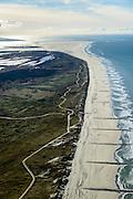 Nederland, Friesland, Vlieland, 28-02-2016; West-Vlieland met Noordzeestrand en strekdammen. Gezien naar Kroon's Polders en de Vliehors, Texel aan de horizon.<br /> Wadden island Vlieland and western part with North sea, Wadden sea. <br /> luchtfoto (toeslag op standard tarieven);<br /> aerial photo (additional fee required);<br /> copyright foto/photo Siebe Swart