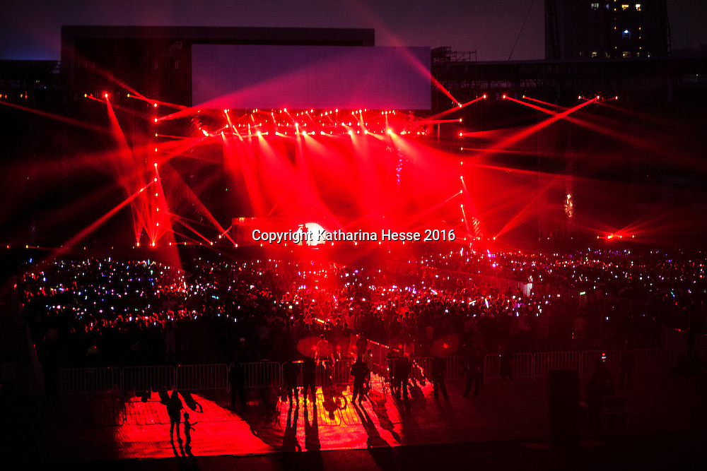 Sept.30, 2016 : views of the 1986-2016 anniversary concert of China's most reknown rock musician Cui Jian. Cui came to fame in the late eighties, but was prohibited from performing in bigger venues for more than a decade due to his outspokenness in 1989 during the Tiananmen unrest.