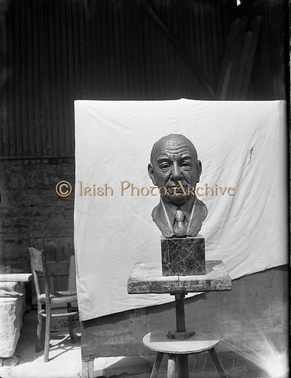 Mr Seamus Murphy, Cork - Sculptor .17/07/1958 .