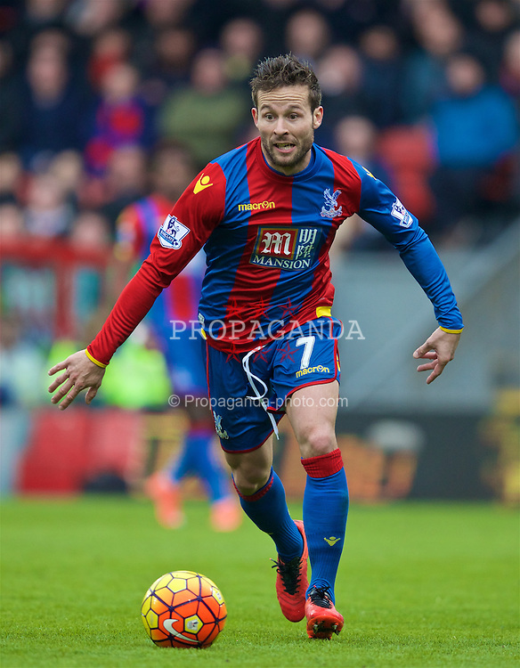 LONDON, ENGLAND - Sunday, March 6, 2016: Crystal Palace's Yohan Cabaye in action against Liverpool during the Premier League match at Selhurst Park. (Pic by David Rawcliffe/Propaganda)
