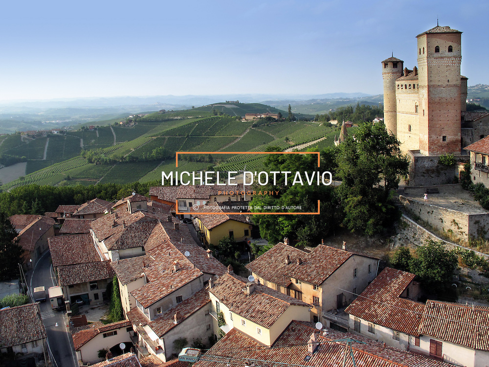 Italy, Piedmont, Langhe, near Alba, wine village Serralunga d'Alba.... reportage aereo realizzato con un pallone aerostatico frenato