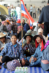 61029759<br /> Thai farmers gather during a rally at the compound of Thailand s Commerce Ministry in Nonthaburi province, on the outskirts of Bangkok, Thailand, Feb. 7, 2014. Thai rice farmers who have gathered in protest of a delay in payments for their latest crop under the government s rice-pledging program on Friday drew a deadline for the government to pay before Feb. 15. 2014, Date Taken Friday, 7th February 2014. Picture by  imago / i-Images<br /> UK ONLY