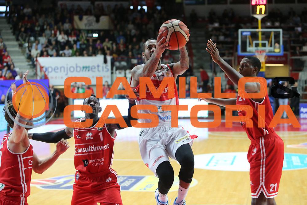 pallacanestro basket campionato 2016 2017 <br /> Varese openjobmetis Vs Pesaro :Maynor Eric