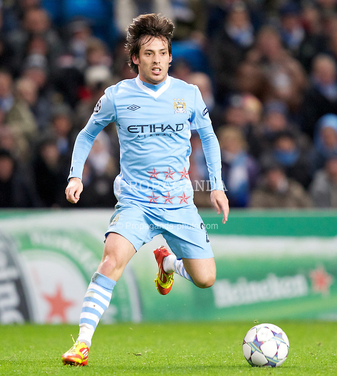 MANCHESTER, ENGLAND - Wednesday, December 7, 2011: Manchester City's David Silva in action against FC Bayern Munchen during the UEFA Champions League Group A match at the City of Manchester Stadium. (Pic by Vegard Grott/Propaganda)
