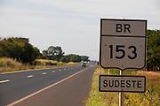 Canapolis_MG, Brasil...BR 153 em Canapolis, Minas Gerais...The highway BR 153 in Canapolis, Minas Gerais...Foto: LEO DRUMOND / NITRO