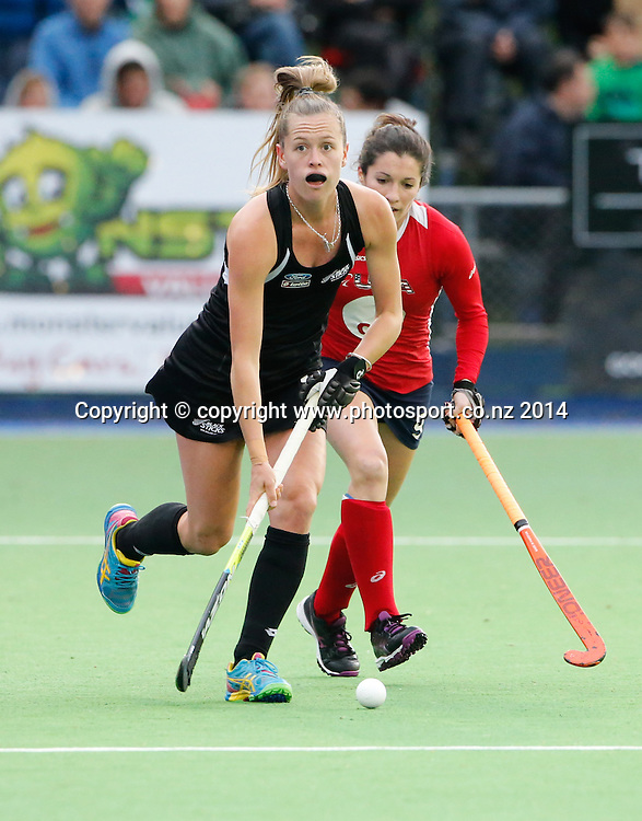 New Zealand's Sam Charlton. Fourth test, New Zealand Black Sticks Women v USA women's international hockey, Twin Turfs , Palmerston North, New Zealand. Thursday, 23 October, 2014. Photo: John Cowpland / www.photosport.co.nz