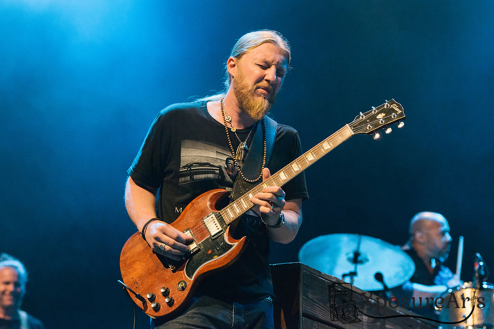 Darren Trucks of Tedeschi Trucks performs at the Fox Theater in Oakland, CA Photos: Karen Goldman. Instagram: @xposurearts <br />
