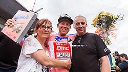 09.07.2016, Wien, AUT, Ö-Tour, Österreich Radrundfahrt, 7. Etappe, Bad Tatzmannsdorf nach Wien/Kahlenberg, im Bild bester Österreicher Hermann Pernsteiner (AUT, Amplatz - BMC) mit Mutter und Vater // best Austrian Hermann Pernsteiner (AUT Amplatz - BMC) with his Parents during the Tour of Austria, 7th Stage from Bad Tatzmannsdorf to Vienna/Kahlenberg Wien, Austria on 2016/07/09. EXPA Pictures © 2016, PhotoCredit: EXPA/ JFK
